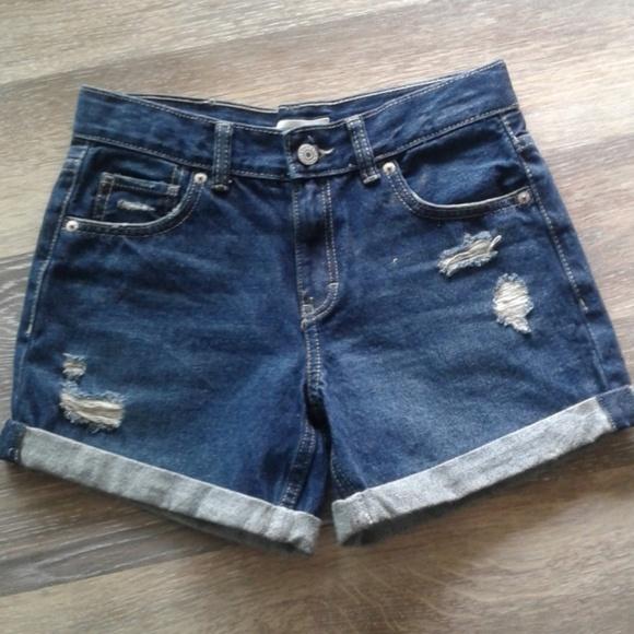 Levi's Other - Levi's shorts sz 14 reg distressed cuffs